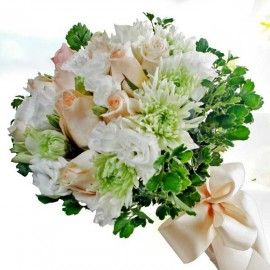 12 Champagne Roses & Eustoma Hand Bouquet Delivery