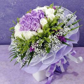 30 Roses ( 15 purple 15 white ) Handbouquet