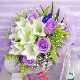 6 Lily & 6 Purple Roses Handbouquet