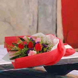 6 Mixed Carnation Handbouquet