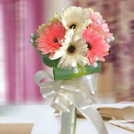 4 White 4 Pink Gerbera with Dracaena Foliage