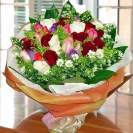 25 Mixed Roses Handbouquet