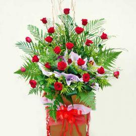 24 red roses arrangement 6 feet height