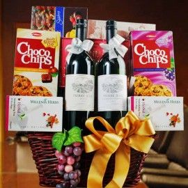 Red & White Wine With Chocolate, Biscuits & Cookies