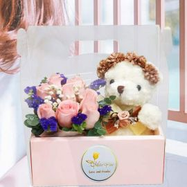 20cm Bear With Flower Crown & 8 Peach Roses in Hand Carry Gift Box