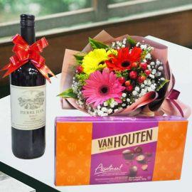 Red wine with VanHouten Assortment Chocolate 180g & Flowers